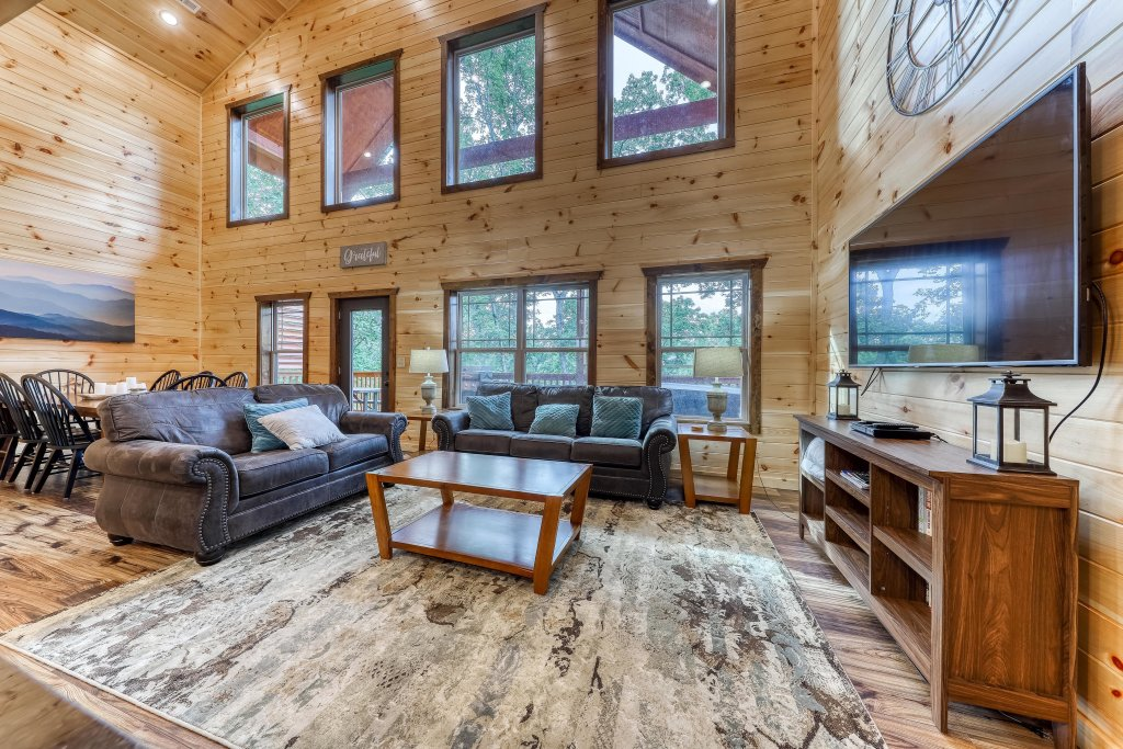 Photo of a Sevierville Cabin named Splashing Cubs - This is the eighth photo in the set.