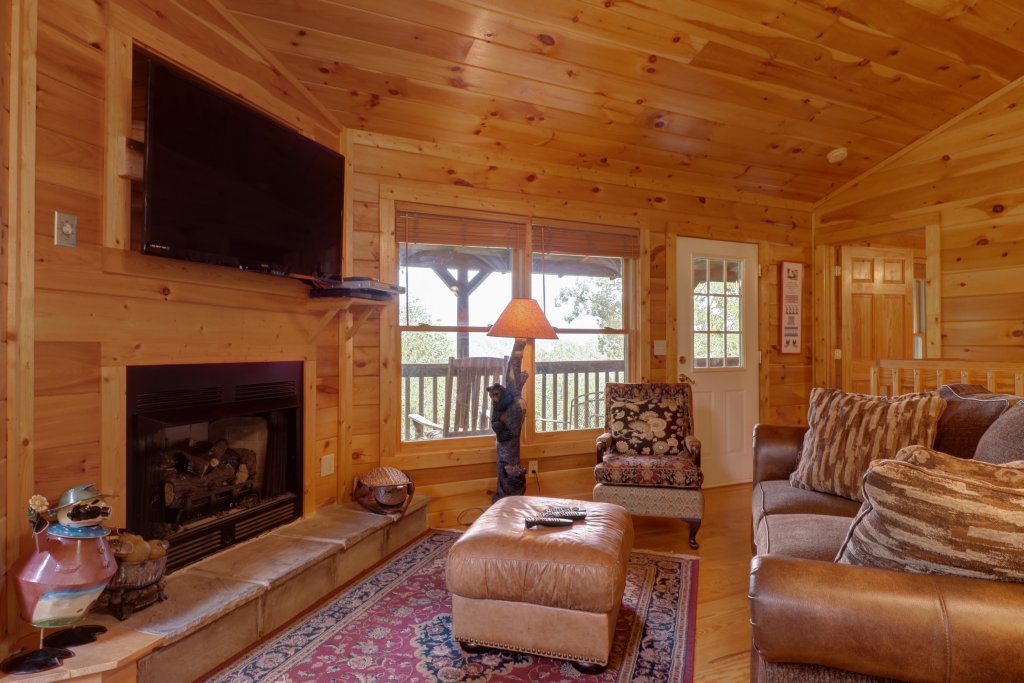 Photo of a Pigeon Forge Cabin named 20/20 View - This is the twenty-eighth photo in the set.