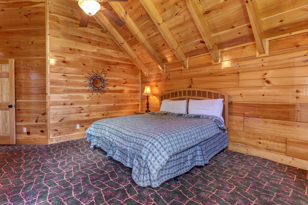 Photo of a Sevierville Cabin named Just For Fun - This is the thirtieth photo in the set.