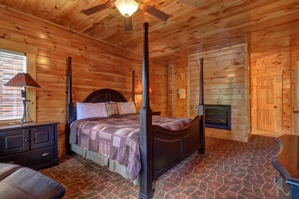 Photo of a Sevierville Cabin named Just For Fun - This is the twelfth photo in the set.