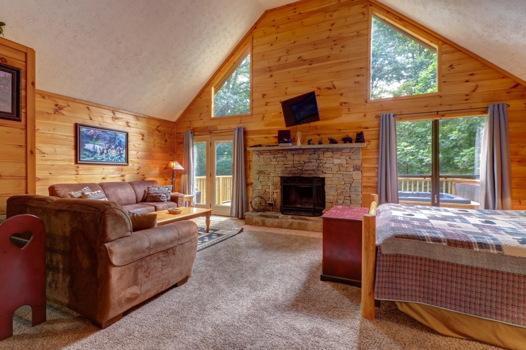 Photo of a Pigeon Forge Cabin named Cozy Bear Cabin - This is the fourth photo in the set.