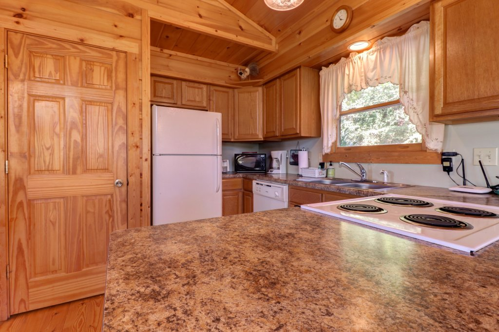 Photo of a Pigeon Forge Cabin named 20/20 View - This is the thirty-second photo in the set.