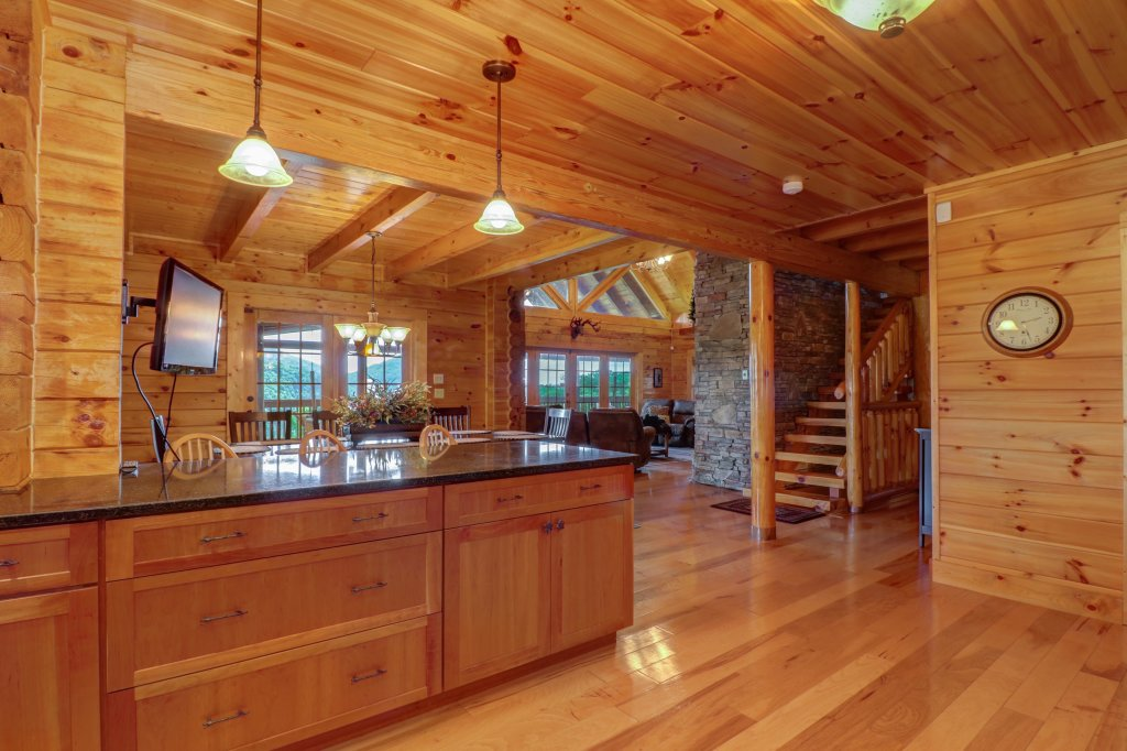 Photo of a Sevierville Cabin named Mountain Top Mansion - This is the forty-fourth photo in the set.