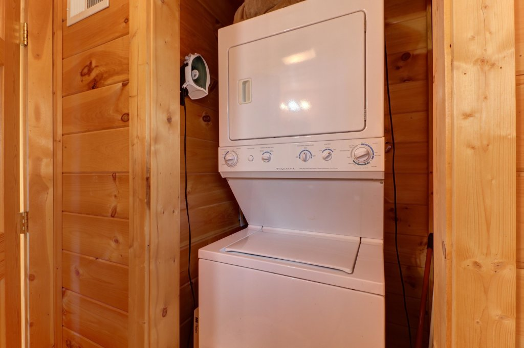 Photo of a Pigeon Forge Cabin named Thunder Bear Hideaway - This is the twenty-first photo in the set.