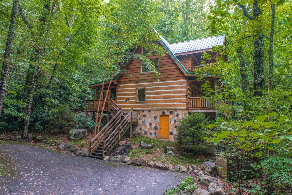 Photo of a Sevierville Cabin named Up The Creek - This is the twenty-eighth photo in the set.