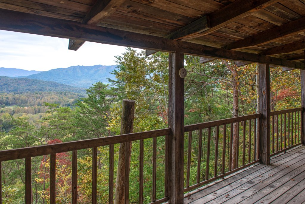 Photo of a Sevierville Cabin named Bearly Heaven - This is the nineteenth photo in the set.