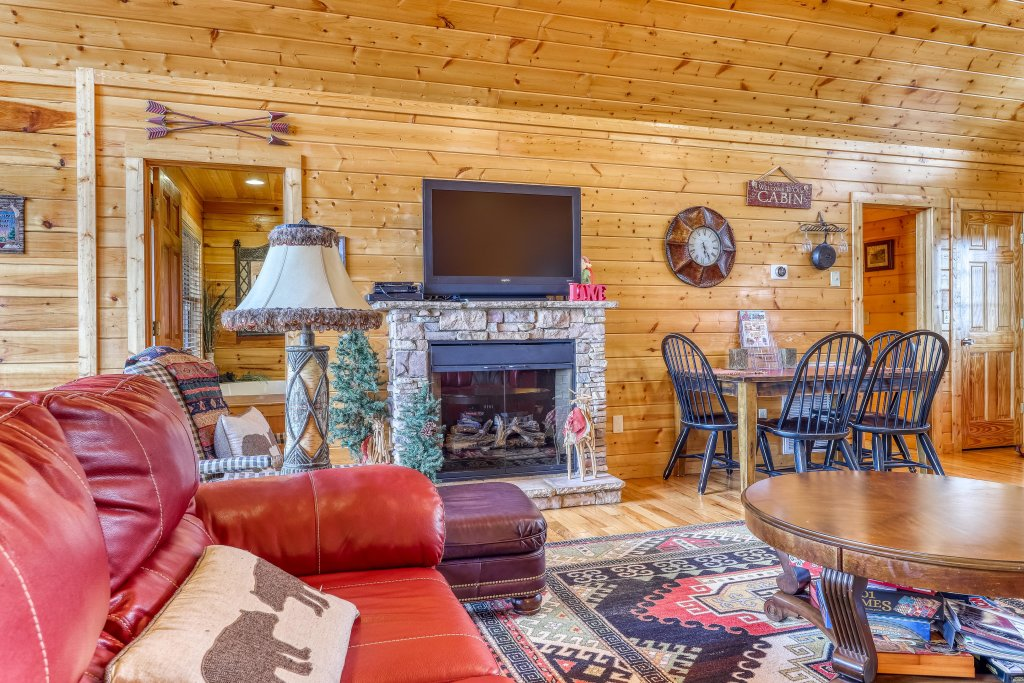 Photo of a Pigeon Forge Cabin named Smoky Mountain View - This is the fourteenth photo in the set.