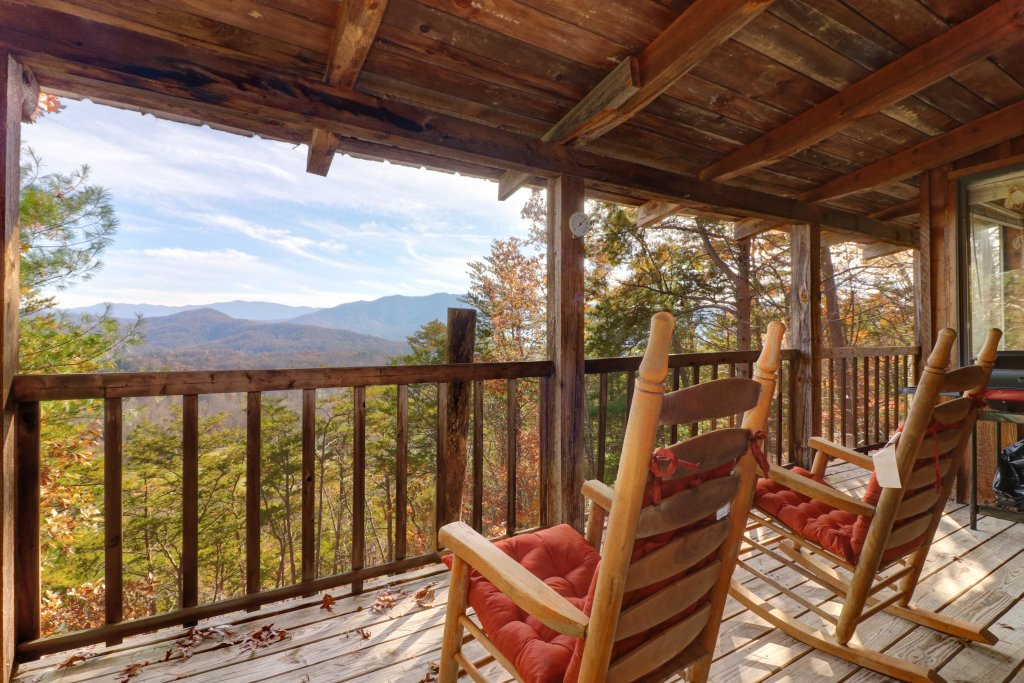 Photo of a Sevierville Cabin named Bearly Heaven - This is the twenty-third photo in the set.