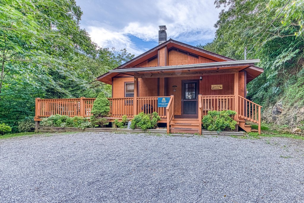 Photo of a Gatlinburg Cabin named Lazy Creek Retreat - This is the second photo in the set.