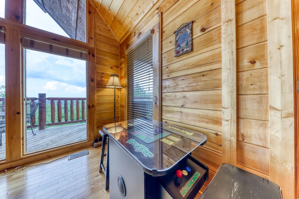 Photo of a Pigeon Forge Cabin named Smoky Mountain View - This is the sixteenth photo in the set.