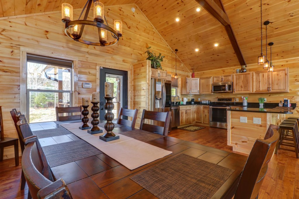 Photo of a Sevierville Cabin named Above And Beyond - This is the second photo in the set.