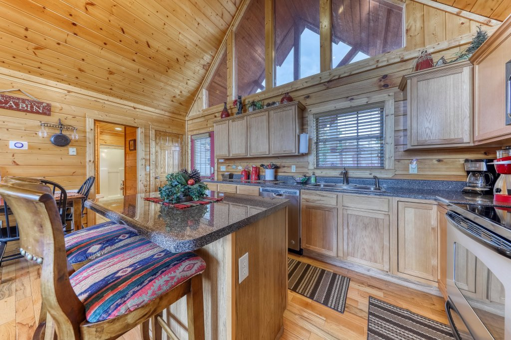 Photo of a Pigeon Forge Cabin named Smoky Mountain View - This is the tenth photo in the set.