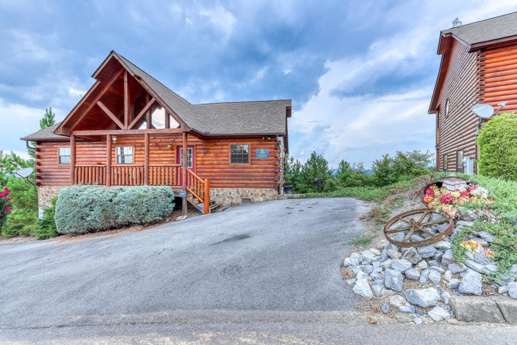 Photo of a Pigeon Forge Cabin named Smoky Mountain View - This is the seventh photo in the set.