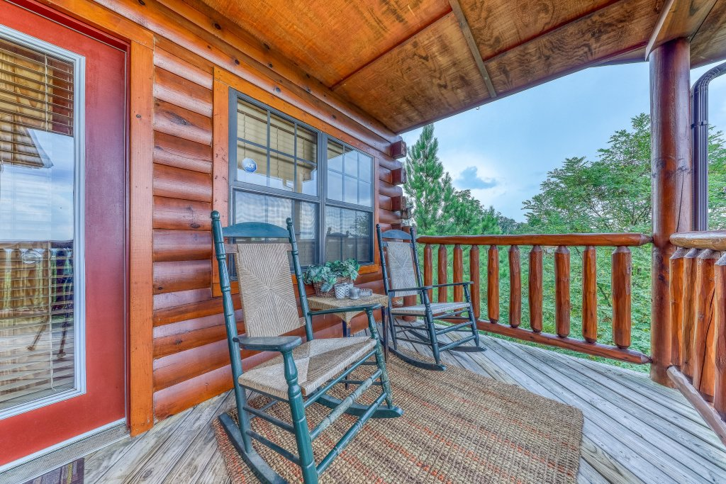 Photo of a Pigeon Forge Cabin named Smoky Mountain View - This is the thirtieth photo in the set.
