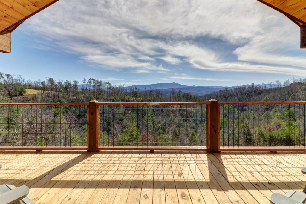 Photo of a Sevierville Cabin named Above And Beyond - This is the seventh photo in the set.