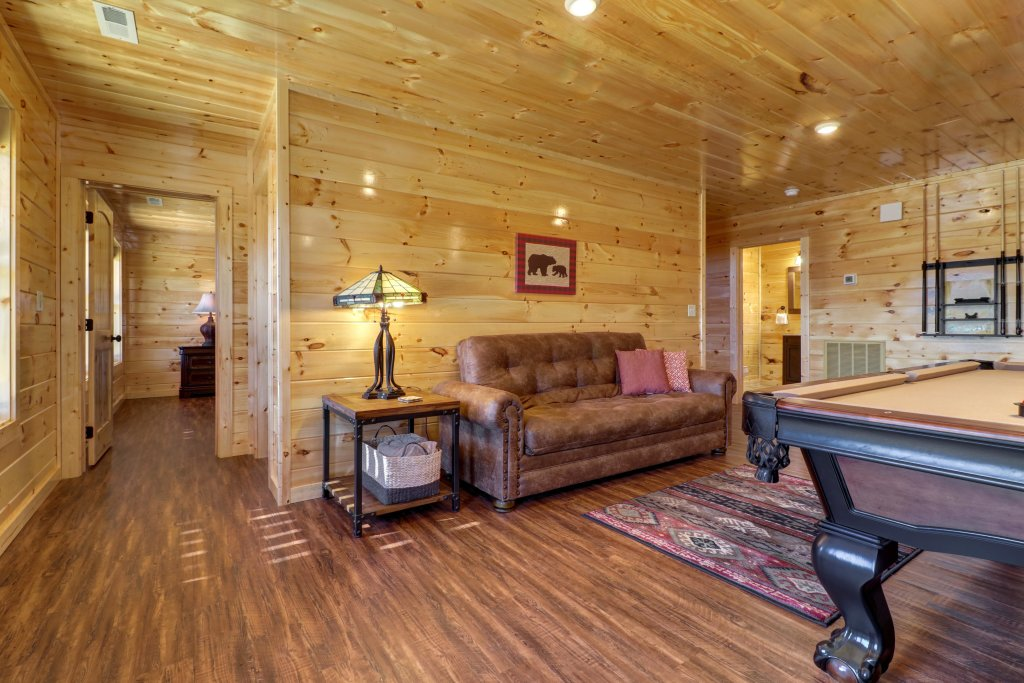 Photo of a Sevierville Cabin named Above And Beyond - This is the fifteenth photo in the set.