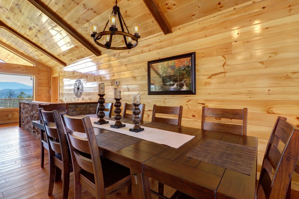 Photo of a Sevierville Cabin named Above And Beyond - This is the twelfth photo in the set.