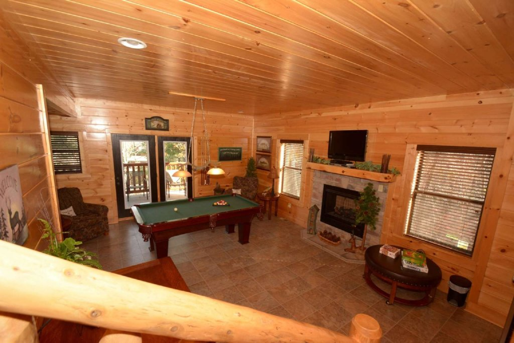 Photo of a Sevierville Cabin named Pine Cone Lodge - This is the tenth photo in the set.