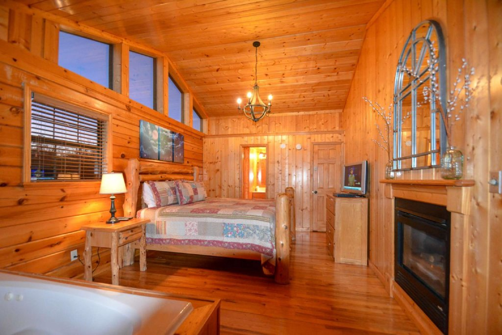 Photo of a Pigeon Forge Cabin named Moonlight Magic - This is the seventh photo in the set.