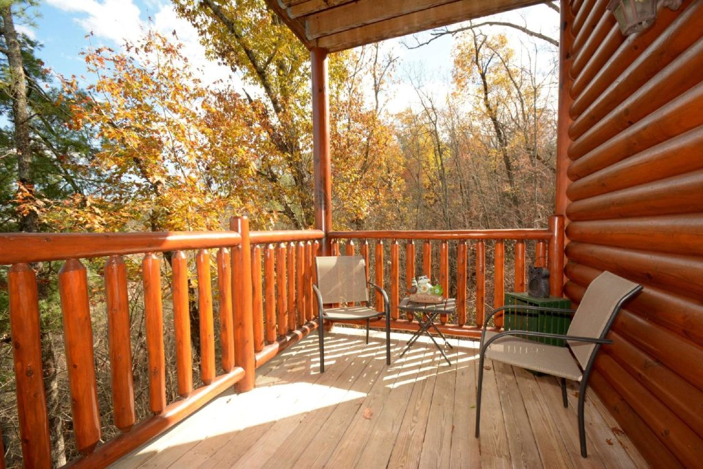 Photo of a Sevierville Cabin named Pine Cone Lodge - This is the eighth photo in the set.