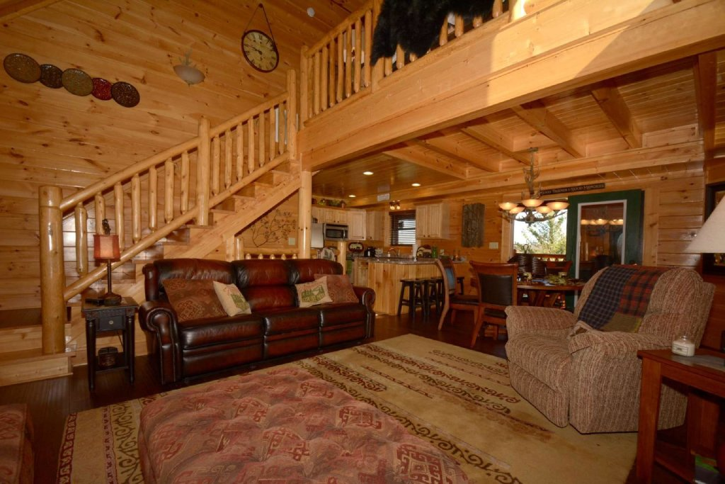 Photo of a Sevierville Cabin named Pine Cone Lodge - This is the fourth photo in the set.