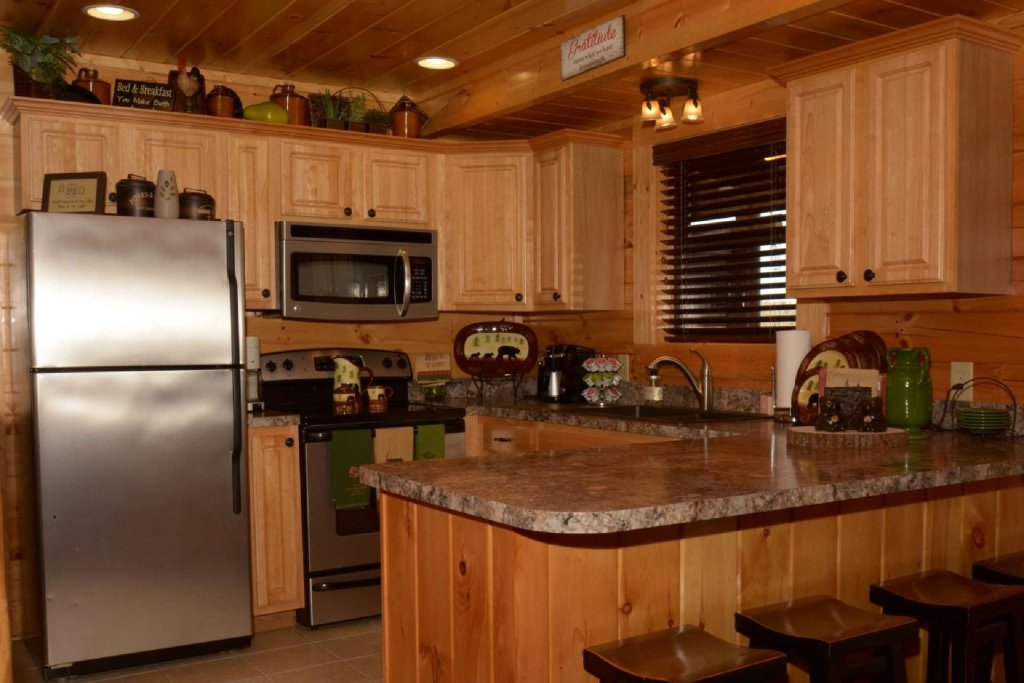 Photo of a Sevierville Cabin named Pine Cone Lodge - This is the seventh photo in the set.