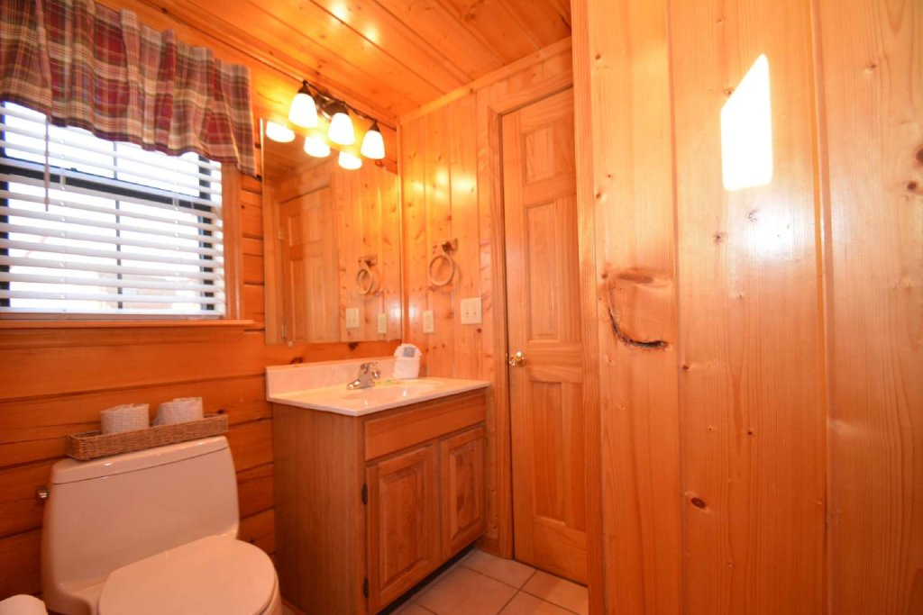 Photo of a Pigeon Forge Cabin named Moonlight Magic - This is the fifteenth photo in the set.