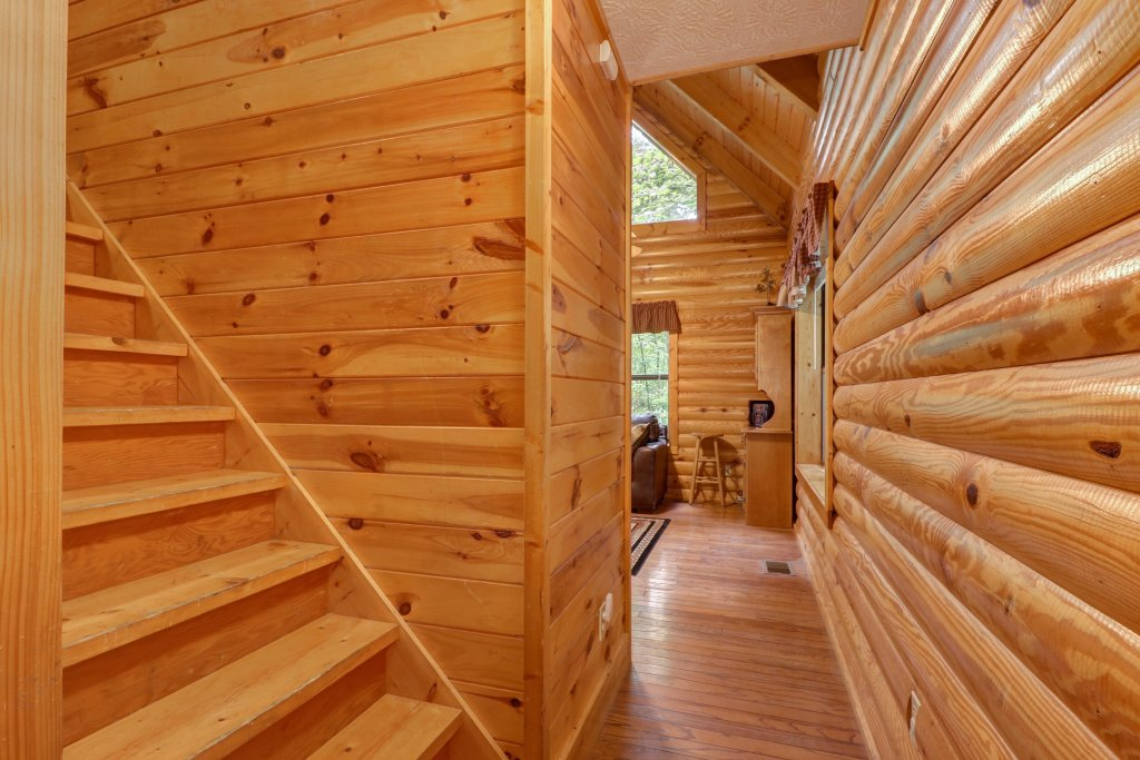 Photo of a Sevierville Cabin named Friendly Bear Cabin - This is the thirty-fourth photo in the set.