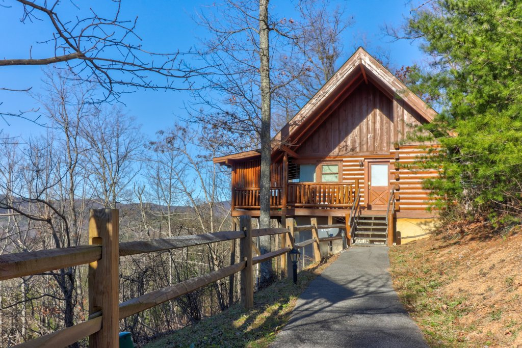 Photo of a Sevierville Cabin named Majestic View #42b - This is the first photo in the set.