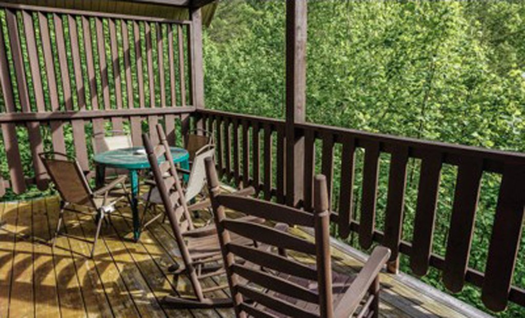 Photo of a Pigeon Forge Cabin named Running Bear Cabin - This is the twenty-second photo in the set.