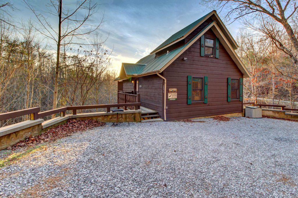Photo of a Pigeon Forge Cabin named Running Bear Cabin - This is the twenty-third photo in the set.