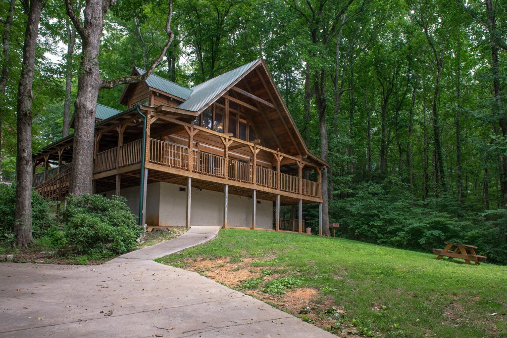 Photo of a Sevierville Cabin named Smokies Sanctuary Cabin - This is the twenty-fifth photo in the set.