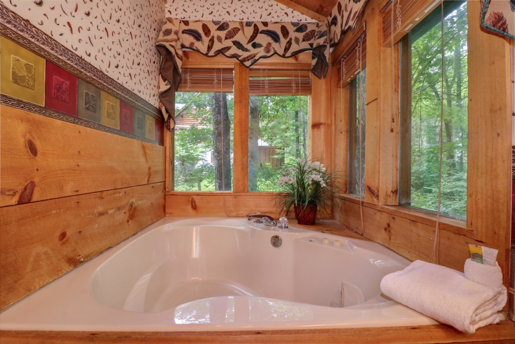 Photo of a Sevierville Cabin named Smokies Sanctuary Cabin - This is the fifteenth photo in the set.