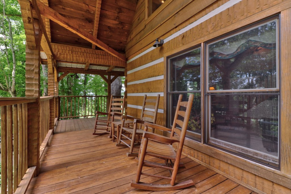 Photo of a Sevierville Cabin named Smokies Sanctuary Cabin - This is the fortieth photo in the set.