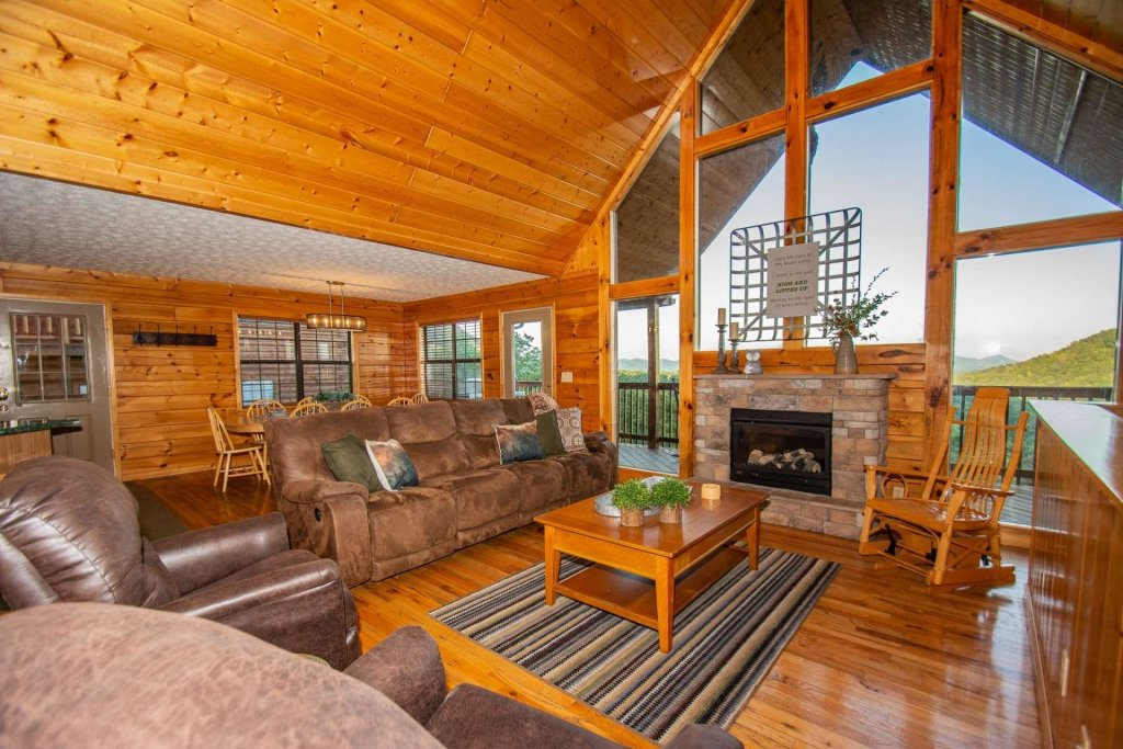 Photo of a Pigeon Forge Cabin named High And Lifted Up - This is the thirtieth photo in the set.