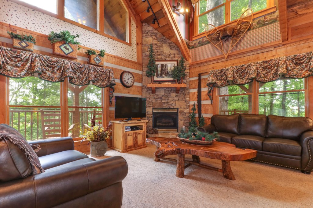 Photo of a Sevierville Cabin named Smokies Sanctuary Cabin - This is the third photo in the set.