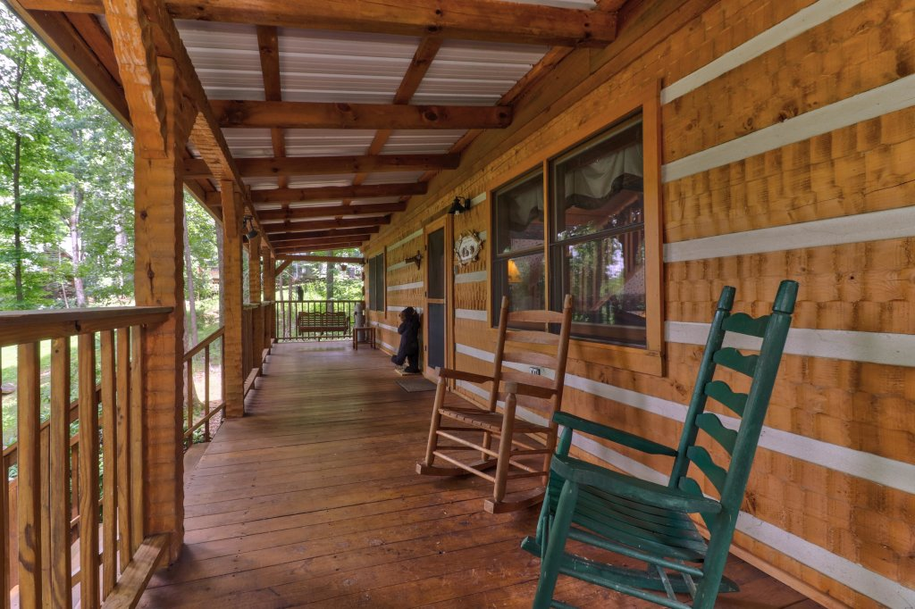 Photo of a Sevierville Cabin named Smokies Sanctuary Cabin - This is the thirty-sixth photo in the set.