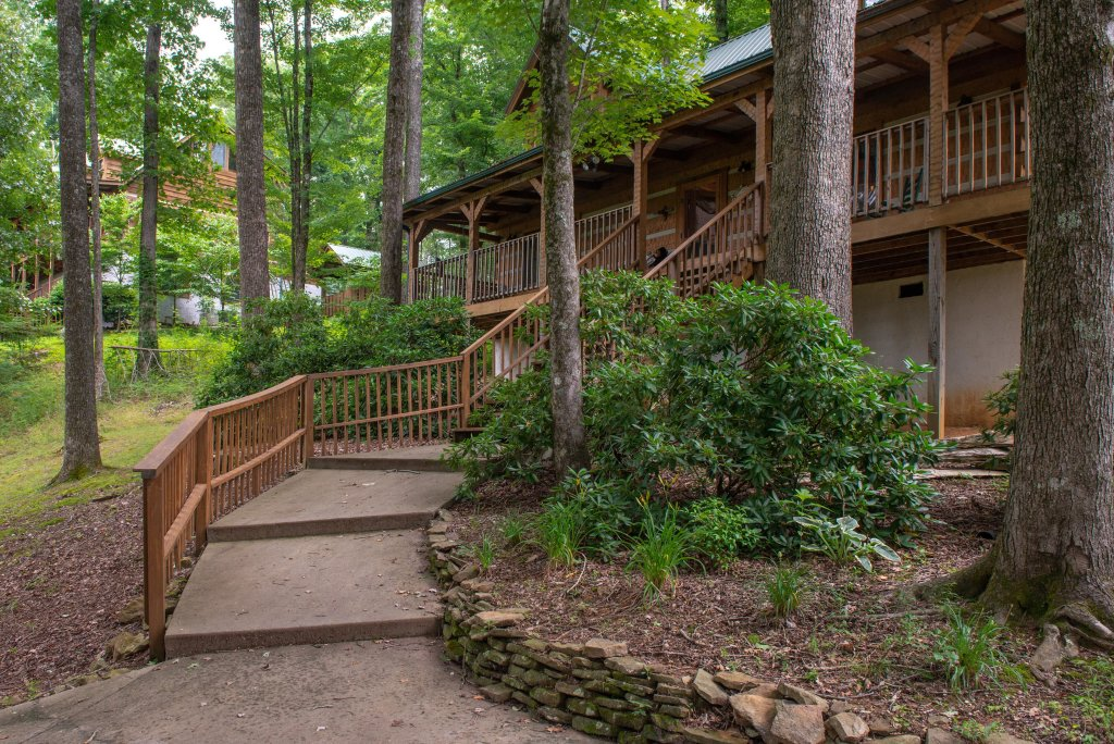 Photo of a Sevierville Cabin named Smokies Sanctuary Cabin - This is the tenth photo in the set.