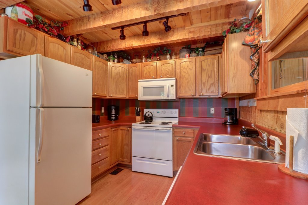 Photo of a Sevierville Cabin named Smokies Sanctuary Cabin - This is the thirtieth photo in the set.