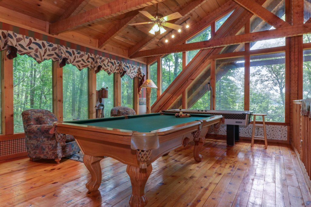 Photo of a Sevierville Cabin named Smokies Sanctuary Cabin - This is the thirty-first photo in the set.