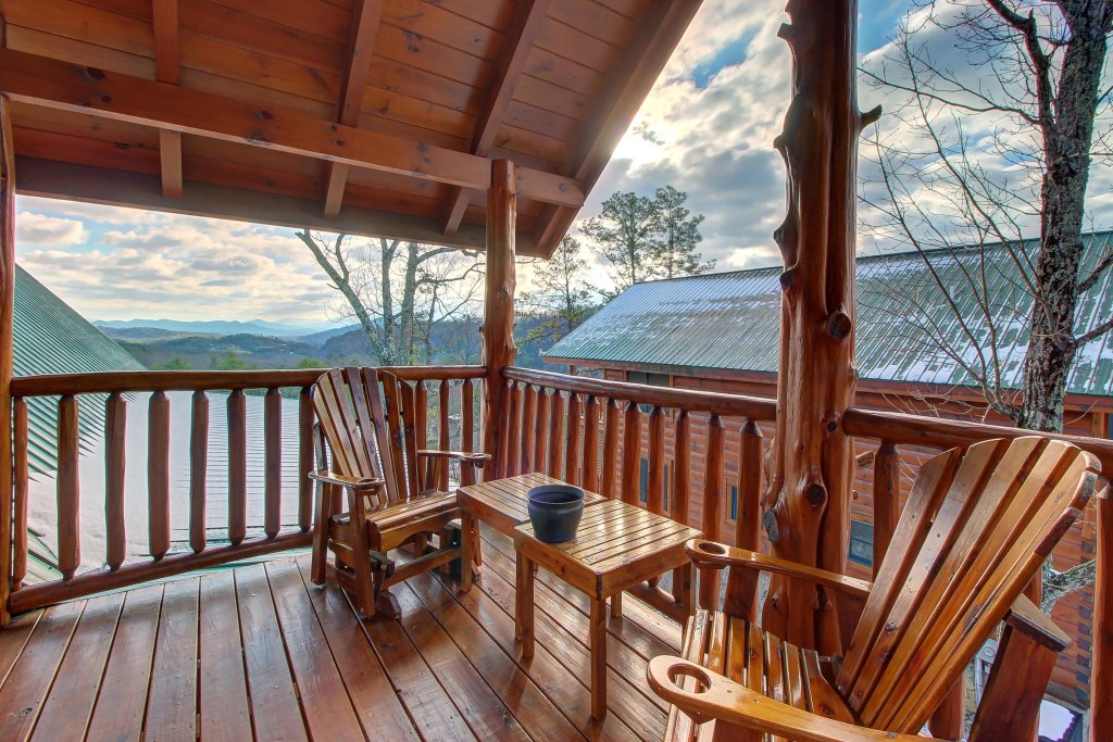 Photo of a Sevierville Cabin named Love View More Cabin - This is the twenty-first photo in the set.