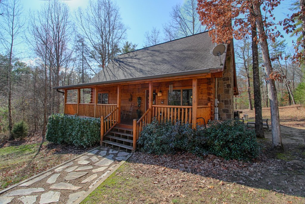 Photo of a Sevierville Cabin named Big Daddy's Hideaway Cabin - This is the first photo in the set.