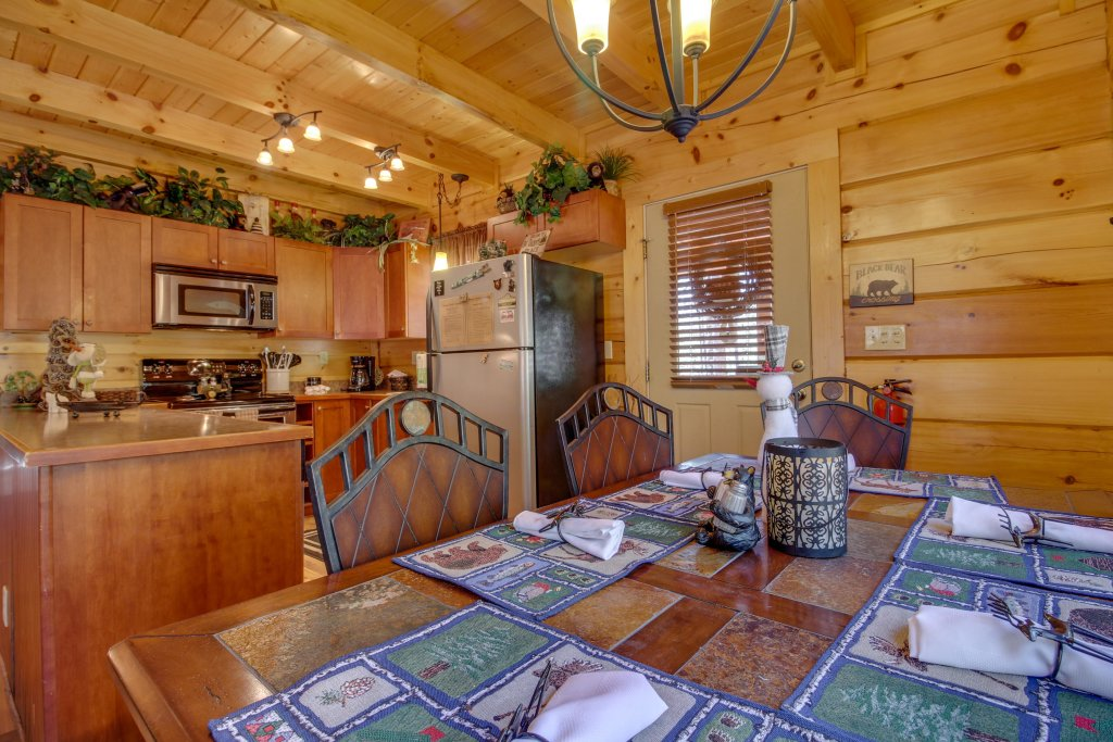 Photo of a Sevierville Cabin named Big Daddy's Hideaway Cabin - This is the fourteenth photo in the set.