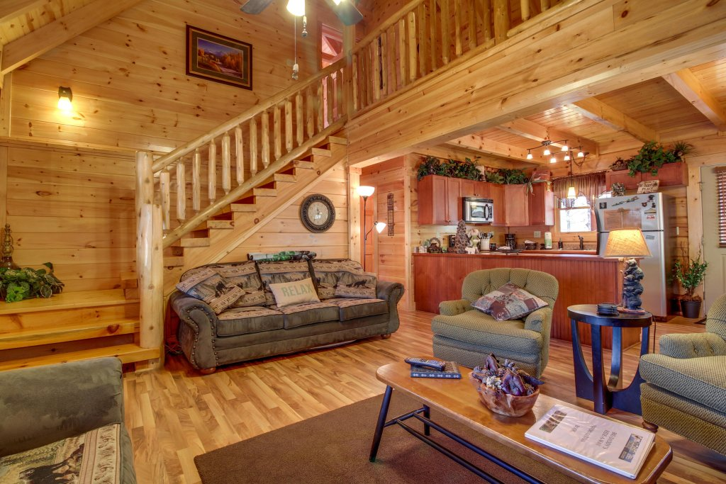 Photo of a Sevierville Cabin named Big Daddy's Hideaway Cabin - This is the second photo in the set.