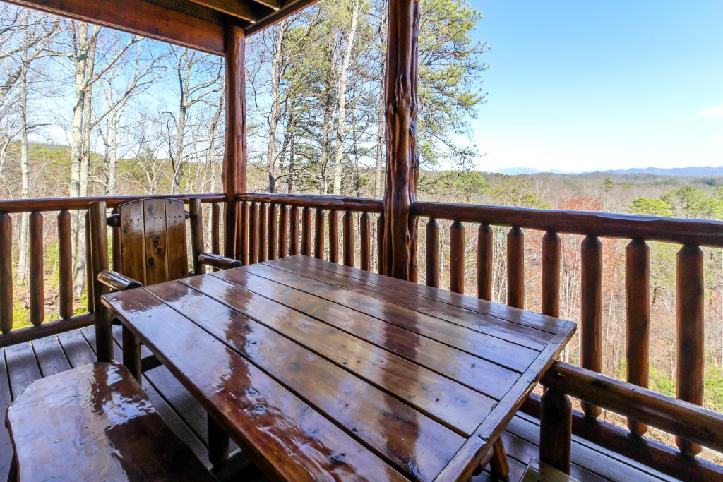 Photo of a Sevierville Cabin named Love View More Cabin - This is the twelfth photo in the set.