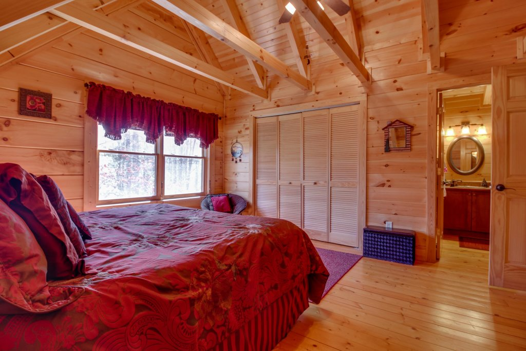 Photo of a Sevierville Cabin named Big Daddy's Hideaway Cabin - This is the twenty-second photo in the set.
