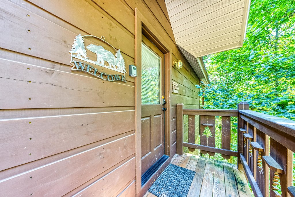 Photo of a Pigeon Forge Cabin named Evening Shade Cabin - This is the twenty-ninth photo in the set.