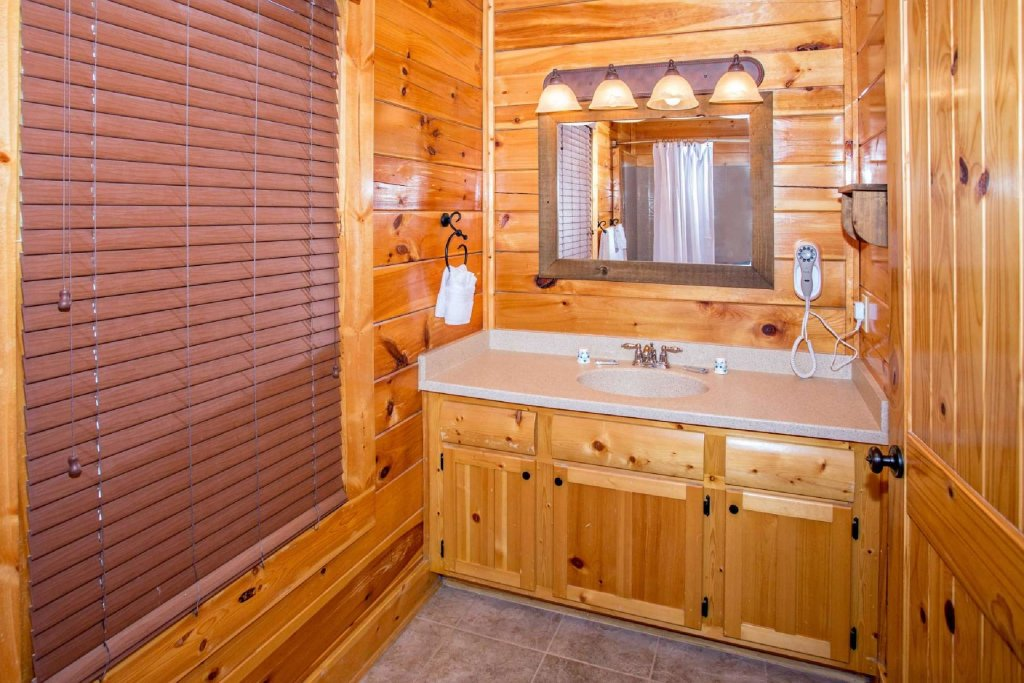 Photo of a Pigeon Forge Cabin named Best Of View - This is the eleventh photo in the set.