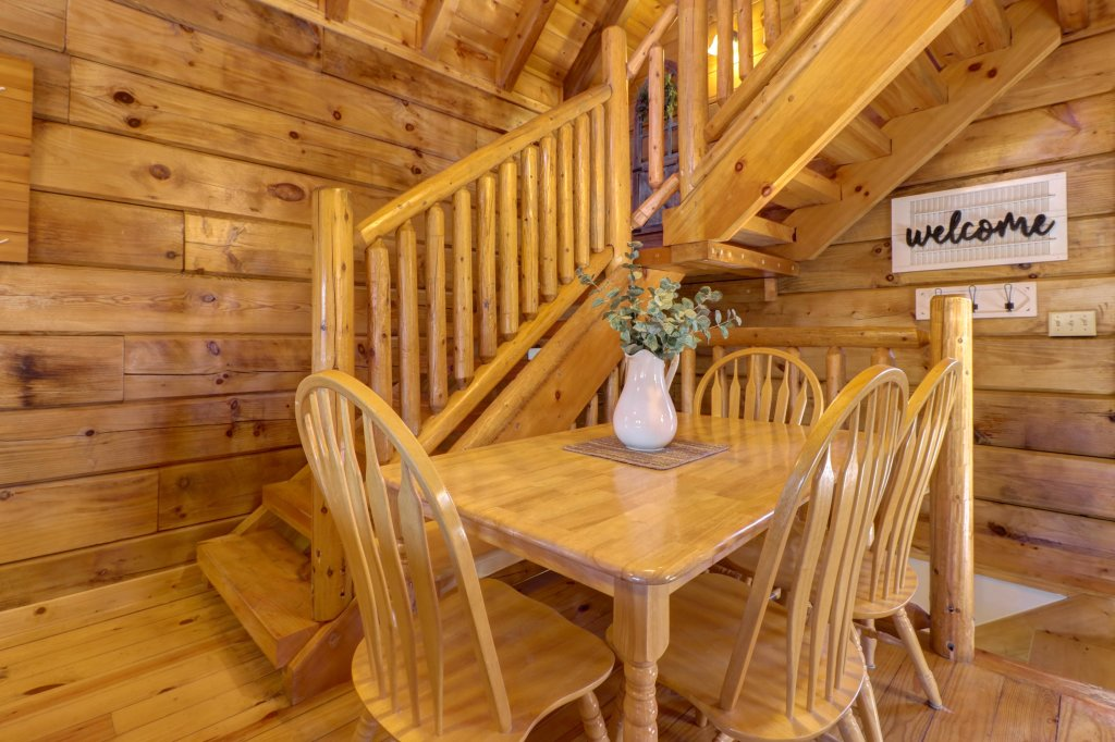 Photo of a Pigeon Forge Cabin named Peaceful Setting Cabin - This is the eighth photo in the set.