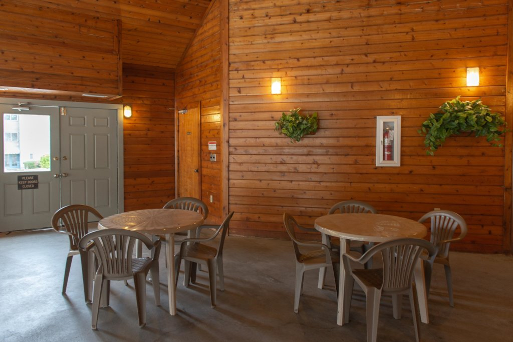 Photo of a Gatlinburg Cabin named Summit View Condo - This is the twenty-fourth photo in the set.